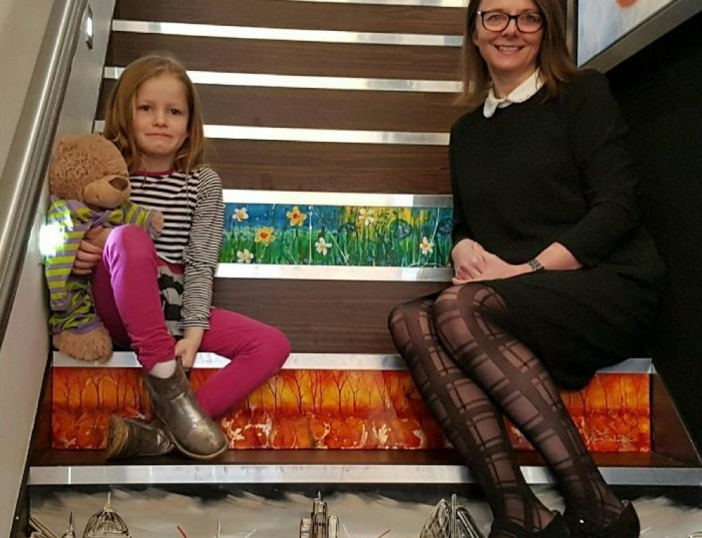 7-YEAR-OLD ARTIST JOINS GALLERY 'STAIRS OF FAME'